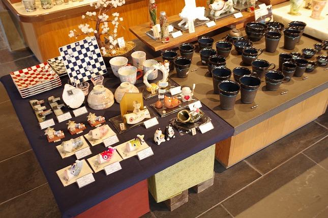 陶舗やまわの陶器の数々