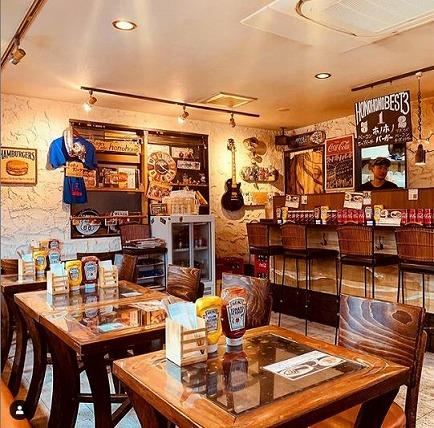 ハンバーガー専門店「Burgercafe honohono(バーガーカフェホノホノ)」の店内