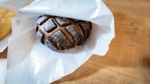 川越ボンデメロンのチョコレートメロンパン