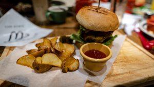 カリフォルニアキッチンWのWハンバーガーセット