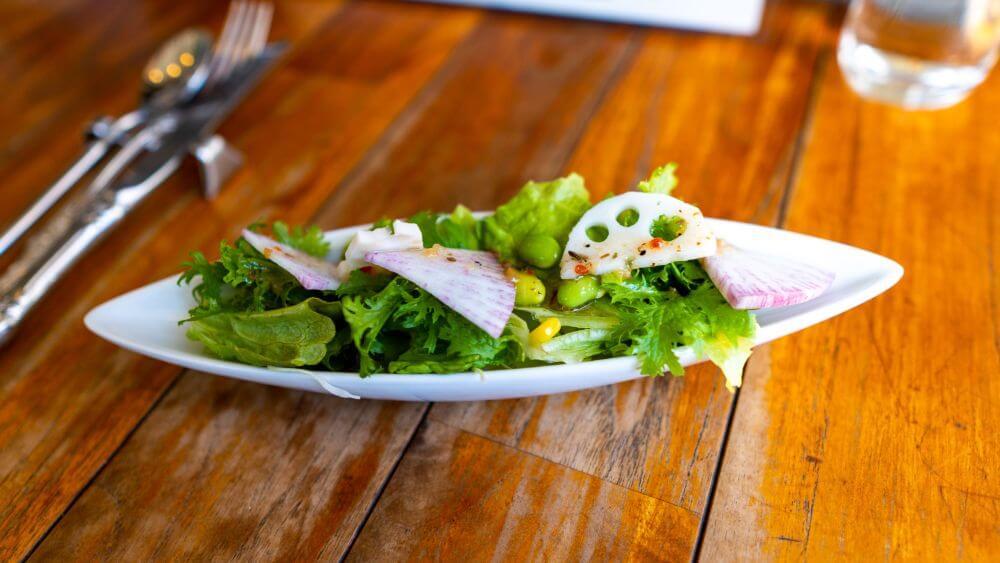 「dining kitche LIFE」のサラダ